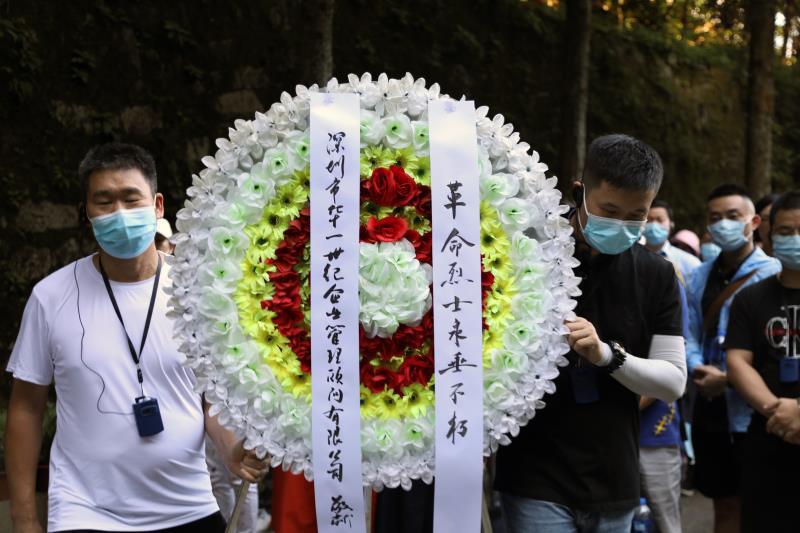 在井冈山革命烈士陵园